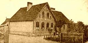 Zdjęcie szkoły w Lipnicy (Liepnitz) z 1912 roku